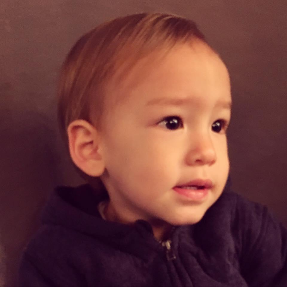 小搗蛋日記 | 媽媽別急。我才一歲七個月!
