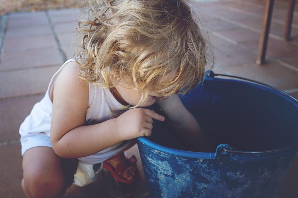 凱若媽咪。教養秘訣|如何讓「抓狂兩歲兒」聽你說理?