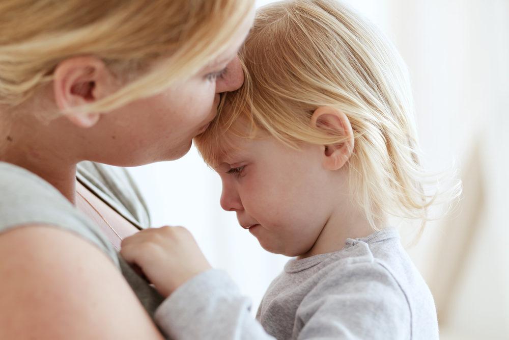 凱若媽咪|【幼兒情緒管理】當寶貝失控抓狂?別跟著爆發,給孩子「再決定一次」的機會!