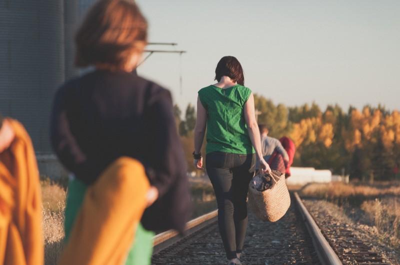 生養一個孩子,十八年的青春・學著「配速當爸媽」!- 「有時走,有時跑,有時爬」才是父母人生真貌